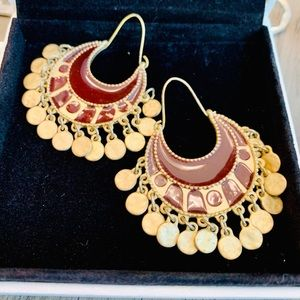 Caroled earrings